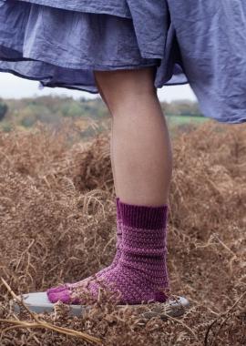 Chaussettes en cachemire jaquard framboise