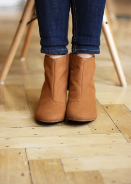 Bottines camel en daim vegan