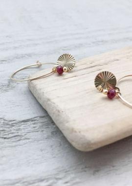 Salomé hoop earrings garnet