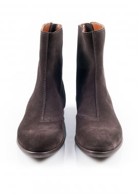 Flat brown boots with zip details